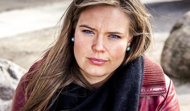 Portræt af Tupaarnaq Kreutzmann, idrætskonsulent i Elite Sport Greenland og Grønlands Idrætsforbund. Foto: Erhvervsfoto Danmark, Ulrik M. Eriksen
